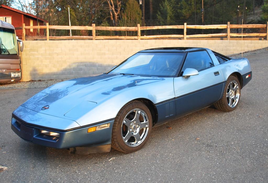 FS: 1985 Light Blue/Dark Blue Corvette Coupe in CA ...