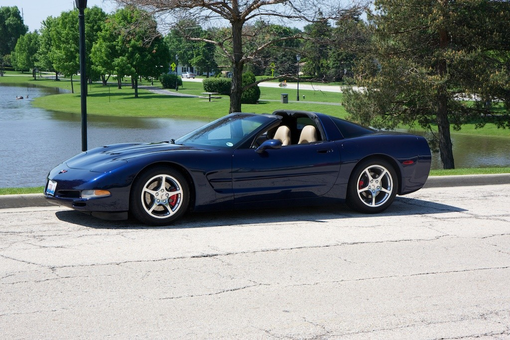 Fs 2001 Navy Blue Metallic Corvette Coupe In Il 20 000